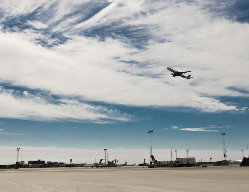 Ti gode råd imod flyskræk. Flyskræk er forfærdeligt. Et Flytryg kursus hjælper dig at med din flyveangst.