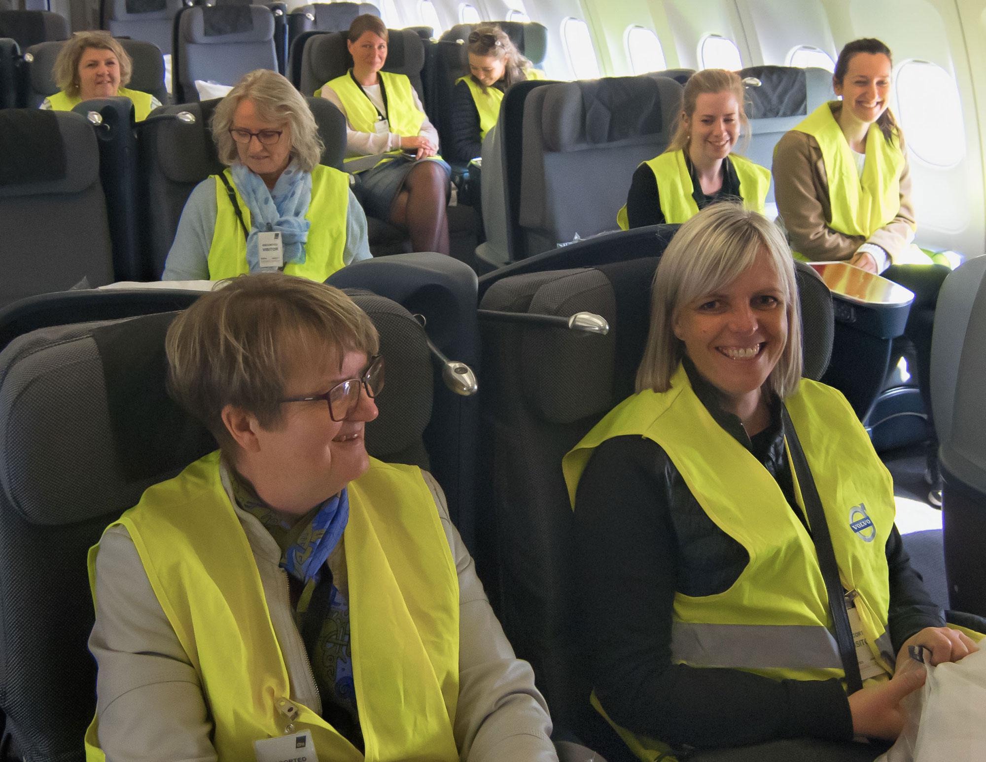 Kursister i kabinen på Flytryg kursus imod flyskræk